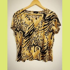 3/$25🔥Brittany Black animal Print Top Sz L